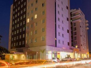維拉爾維斯快捷飯店Hotel Express Vieiralves