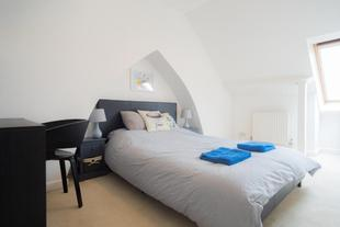 Loft Room in West Bath with Views over Bath