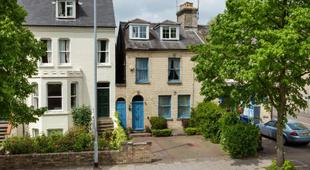 劍橋的中心的河上迷人寬敞5床度假屋Enchanting & Spacious House on the River in the Heart of Cambridge 5 Bed