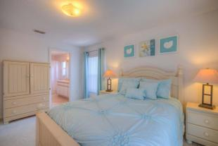 Cozy Villa, Perfect for Families 9 Miles from Disney