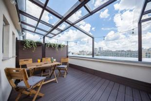 Top Floor Terrace Apartment in Central City Location - Adela Accommodation
