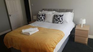 Gateshead's Hidden Gem Amethyst 3 Bedroom Apartment Sleeps 6 Guests