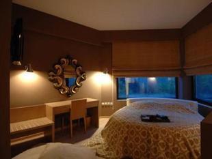 Forest Suites Boutique Hotel