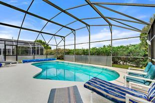 Blue Villa In, close to Disney World & theme parks