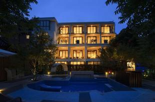 峨眉山拜愚庭雲澗温泉藝術酒店Bai Yu Ting Yun Jian Hot Spring Art Hotel