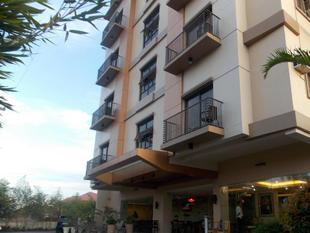主要套房飯店Main Hotel and Suites