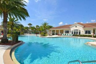 """""""Luxury Waterfront Home for Rent on Oakwater Resort Home 7842E"""""""