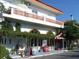 卡琳和尼科斯酒店