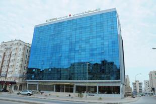 達爾法拉套房飯店Al Dyafa Hotel Suites