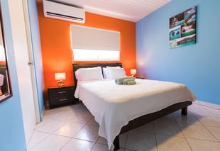 阿魯巴小棕櫚公寓飯店
