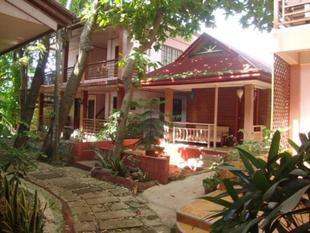 蘿拉伊坦公寓餐廳Lola Itang Pension and Restaurant