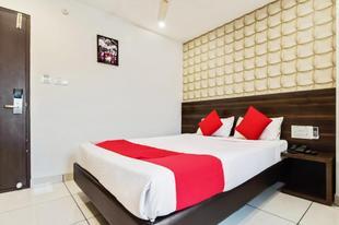OYO30525德瓦卡大飯店OYO 30525 Dwarka Grand