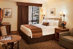 石橋目的地酒店The Stonebridge Inn, A Destination Hotel