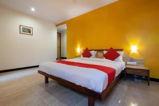 OYO 44695 Hotel Mango