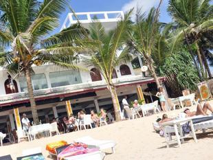 皇家海灘酒店及餐廳