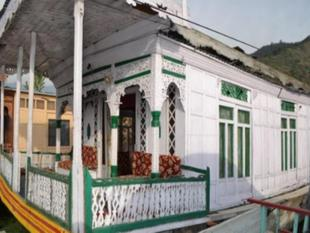 House Boat New Manora