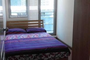 Super Cozy Azure Resort Suite City View