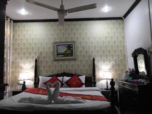 瑯勃拉邦旅舍