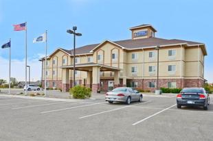最佳西方PLUS瓦基尼套房旅館Best Western Plus Wakeeney Inn and Suites