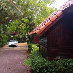安帕瓦茹恩泰國度假酒店