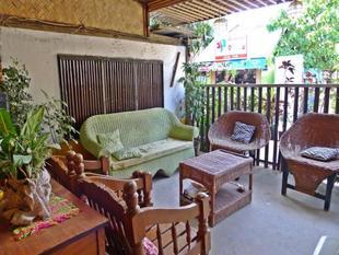 卡洛達之家旅館Casa Carlota Pension