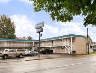 克內爾旅行之家飯店Travelodge by Wyndham Quesnel BC