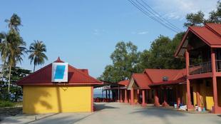 夏日海灘山林小屋