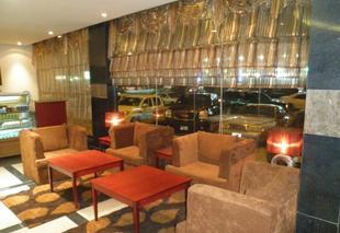阿姆海德飯店 - 納瓦拉納德瓦亞公寓飯店