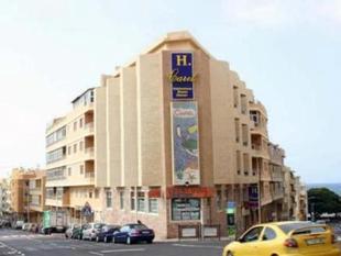 卡里爾旅館