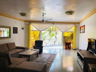 Beach Front Apartment Malindi