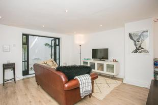 Cosy 2 bed In Stoke Newington With Private Patio