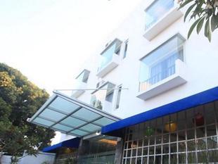 庫塔機場公寓飯店Airport Kuta Hotel and Residences