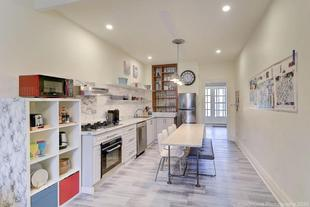 NEW!! Bright Spacious Downtown House #10 BEDS