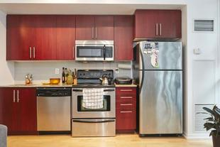 位於多倫多市中心帶家具的豪華套房公寓- 楓葉廣場