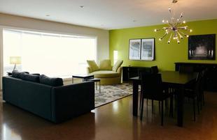 3 Bedroom Home with Custom Built Kitchen. Inner City