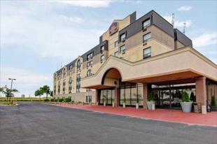 北多倫多約克最佳西方Plus飯店&套房Best Western Plus Toronto North York Hotel & Suites