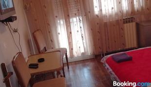 瓦拉杜斯克公寓