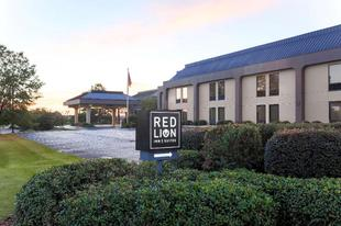 紅獅套房飯店 - 海地斯堡Red Lion Inn & Suites Hattiesburg