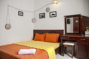SG Tels # Sunshine room 302