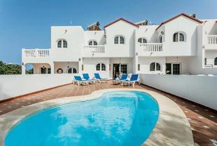 Corralejo Villa Sleeps 5 Air Con WiFi