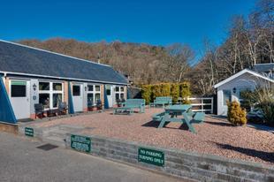 Glenrigh Mews & Iona's Cottage'