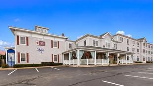 最佳西方PLUS草坪湖套房旅館Best Western Plus Lawnfield Inn and Suites
