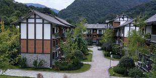 峨眉山憶年華民宿Yinianhua Hostel