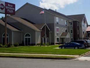 最佳西方PLUS梅諾莫尼套房旅館Best Western Plus Menomonie Inn & Suites