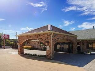 最佳西方PLUS安提俄克套房飯店Best Western Plus Antioch Hotel and Suites