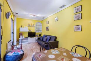 Cosy Modern 2-Bed Apt perfectly located, in Madrid,