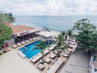 阿肯酒吧海灘度假村Ark Bar Beach Resort