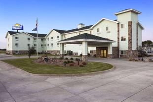 哥倫布東北戴斯套房旅館Days Inn & Suites by Wyndham Columbus NE