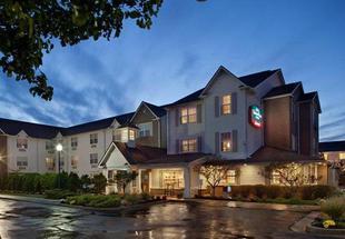 克利夫蘭特斯柏羅萬豪廣場套房酒店TownePlace Suites Cleveland Streetsboro