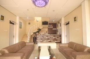 亞洲再也飯店 - 湖人飯店 Asia Jaya by Lakers Hotel